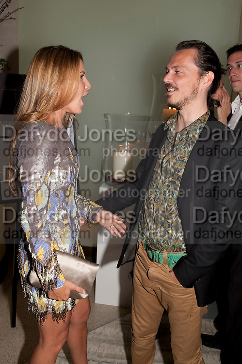 CHANTAL KERZNER; MATTHEW WILLIAMSON, The Tomodachi ( Friends) Charity Dinner hosted by Chef Nobu Matsuhisa in aid of the Unicef  Japanese Tsunami Appeal. Nobu Berkeley St. London. 5 May 2011. <br /> <br />  , -DO NOT ARCHIVE-© Copyright Photograph by Dafydd Jones. 248 Clapham Rd. London SW9 0PZ. Tel 0207 820 0771. www.dafjones.com.