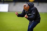 1. divisjon fotball 2018: Aalesund - Mjøndalen. Aalesunds trener Lars Bohinen jubler når dommer Sivert Amland blåser av førstedivisjonskampen i fotball mellom Aalesund og Mjøndalen på Color Line Stadion.