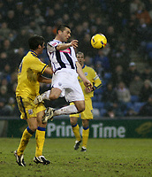 Photo: Mark Stephenson.<br />West Bromwich Albion v Southampton. Coca Cola Championship. 10/02/2007. West Brom's Paul Robinson wins the ball