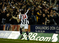 Fotball<br /> England 2004/2005<br /> Foto: SBI/Digitalsport<br /> NORWAY ONLY<br /> <br /> West Bromwich Albion v Crystal Palace<br /> Barclays Premiership. 01/02/2005.<br /> West Brom's Robert Earnshaw celebrates with the fans after he scored what he thought was the winning goal.