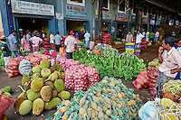 Sri Lanka, province du centre, district de Matale, Dambulla, marché de Dambulla // Sri Lanka, Ceylon, North Central Province, Dambulla, market