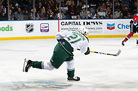 KELOWNA, BC - SEPTEMBER 28:  Dylan Anderson #21 of the Everett Silvertips takes a shot against the Kelowna Rockets at Prospera Place on September 28, 2019 in Kelowna, Canada. (Photo by Marissa Baecker/Shoot the Breeze)