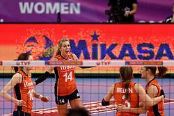 08-01-2016 TUR: European Olympic Qualification Tournament Nederland - Italie, Ankara<br /> De volleybaldames hebben op overtuigende wijze de finale van het olympisch kwalificatietoernooi in Ankara bereikt. Italië werd in de halve finales met 3-0 (25-23, 25-21, 25-19) aan de kant gezet / Laura Dijkema #14