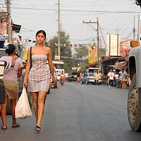 Aldea Frontera, Guatemala 20 May 2008<br /> A woman walks in Aldea Frontera city.<br /> Photo: Ezequiel Scagnetti