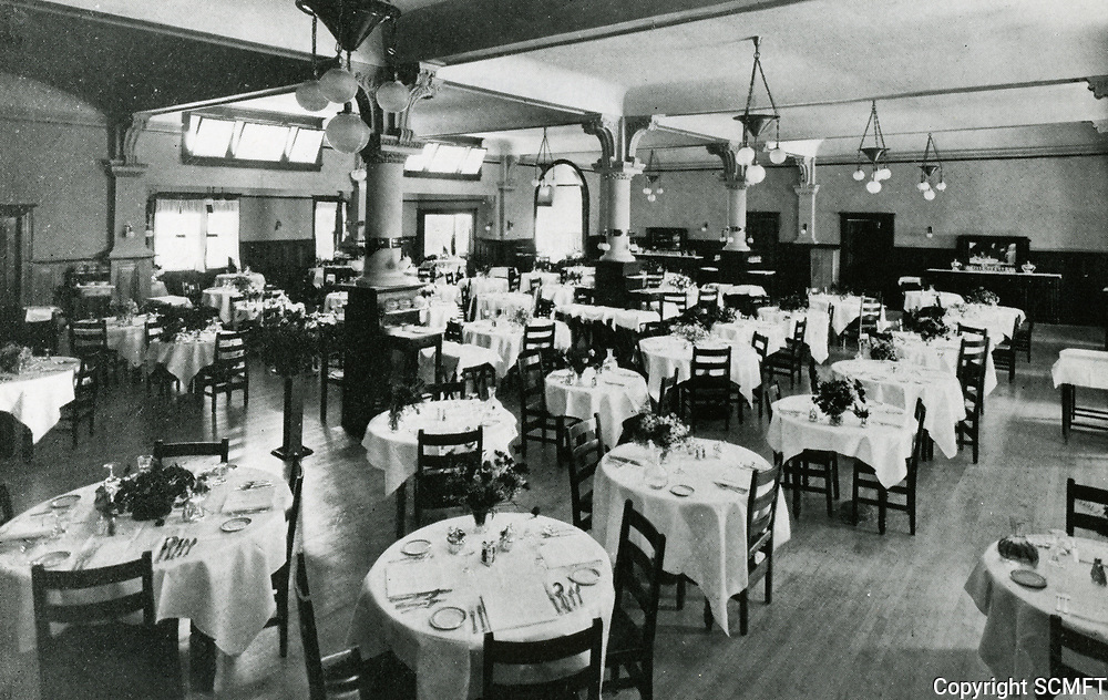 1940 Dining room at The Hollywood Hotel