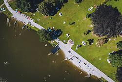 THEMENBILD - Menschen beim Strandbad des Ritzensees, aufgenommen am 30. Juli 2020 in Saalfelden, Österreich // People at the lido of the Ritzensee, Saalfelden, Austria on 2020/07/30. EXPA Pictures © 2020, PhotoCredit: EXPA/ JFK