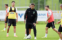 02/07/14<br /> CELTIC TRAINING<br /> AUSTRIA<br /> Celtic manager Ronny Deila gives out instructions at training