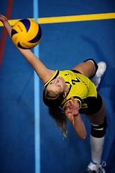 27-10-2012 VOLLEYBAL: SV DYNAMO - PRISMAWORX STRAVOC: APELDOORN<br /> Eerste divisie B vrouwen / Jamilla van der Helm<br /> ©2012-FotoHoogendoorn.nl