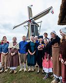 Prinses Beatrix bij viering 200 jaar molen Hermien