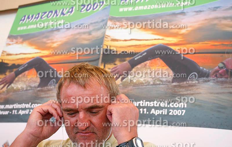 Martin Strel at arrival from South America - Peru, where he set a world record by swimming 5268 Kms (3274 Miles) down the Amazon river, on May 11, 2007 in Brnik Airport, Slovenia. (Photo by Vid Ponikvar / Sportida)..Slovenski vzdrzljivostni plavalec Martin Strel se je mesec dni po tem, ko je premagal reko Amazonko in se s 5286 preplavanimi kilometri znova zapisal v Guinnessovo knjigo rekordov, se je danes vrnil v domovino. Ob prihodu na brnisko letalisce je poudaril, da je bil podvig zelo tezak in je pri njem tvegal svoje zivljenje. Hkrati pa je bil projekt Amazonka 2007 za Strela tudi zelo uspesen, saj je dozivel precejsnjo medijsko odmevnost v Ameriki.