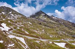 THEMENBILD - Berglandschaft und Seilbahnen am Kitzsteinhorn, aufgenommen am 16. Juli 2019 in Kaprun, Österreich // Mountain landscape and cable cars at the Kitzsteinhorn, Kaprun, Austria on 2019/07/16. EXPA Pictures © 2019, PhotoCredit: EXPA/ JFK