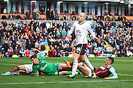 Everton's Steven Naismith reacts after he sees his shot go wide. Barclays Premier league match, Burnley v Everton at Turf Moor in Burnley, Lancs on Sunday 26th October 2014.<br /> pic by Chris Stading, Andrew Orchard sports photography.