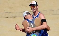 18-07-2014 NED: FIVB Grand Slam Beach Volleybal, Scheveningen<br /> Knock out fase - Robert Meeuwsen en Alexander Brouwer
