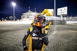 November 26, 2017 - Abu Dhabi, United Arab Emirates - Motorsports: FIA Formula One World Championship 2017, Grand Prix of Abu Dhabi, .#55 Carlos Sainz Junior (ESP, Renault Sport F1 Team) (Credit Image: © Hoch Zwei via ZUMA Wire)