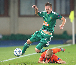 31.08.2015, Ernst Happel Stadion, Wien, AUT, 1. FBL, SK Rapid Wien, Robert Beric wechselt vom SK Rapid Wien zum Fanzösischen Ligue1 Club St. Etienne, im Bild Archiv Bild vom 19.08.2015, UEFA CL, Playoff, Hinspiel, SK Rapid Wien vs Schachtjor Donezk, Robert Beric (SK Rapid Wien) und Yaroslav Rakitskiy (FC Shakhtar Donetsk) // Robert Beric of the Austrian Bundesliga Club SK Rapid Wien switches to French Ligue 1 club AS St. Etienne. Archiv Picture from 2015/08/19 Playoff 1st Leg match between SK Rapid Vienna and FC Shakhtar Donetsk at the Ernst Happel Stadium in Vienna, Austria on 2015/08/31. EXPA Pictures © 2015, PhotoCredit: EXPA/ Thomas Haumer