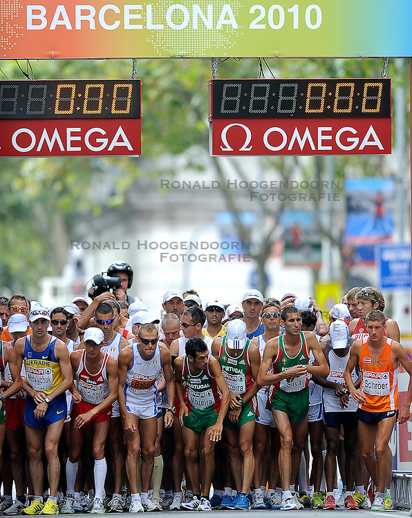 01-08-2010 ATLETIEK: EUROPEAN ATHLETICS CHAMPIONSHIPS: BARCELONA <br /> Ronald Schroer (right) is ready for a marathon<br /> ©2010-WWW.FOTOHOOGENDOORN.NL