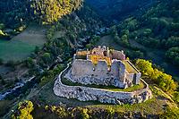 France, Haute-Loire (43), Goudet, château de Beaufort construit vers 1200, vallée de la Loire (vue aérienne) // France, Haute-Loire (43), Goudet, Beaufort castle built around 1200, Loire valley (aerial view)
