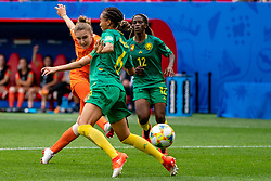 15-06-2019 FRA: Netherlands - Cameroon, Valenciennes<br /> FIFA Women's World Cup France group E match between Netherlands and Cameroon at Stade du Hainaut / Vivianne Miedema #9 of the Netherlands scores the 3-1, Estelle Johnson #6 of Cameroon, Claudine Meffometou #12 of Cameroon