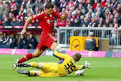 15.10.2011, Allianz Arena, Muenchen, GER, 1.FBL,  FC Bayern vs Hertha BSC Berlin, im Bild  Mario Gomez (Bayern #33) scheitert an Thomas Kraft (Hertha #35) // during the match FC Bayern vs Hertha BSC Berlin, on 2011/10/15, Allianz Arena, Munich, Germany, EXPA Pictures © 2011, PhotoCredit: EXPA/ nph/  Straubmeier       ****** out of GER / CRO  / BEL ******