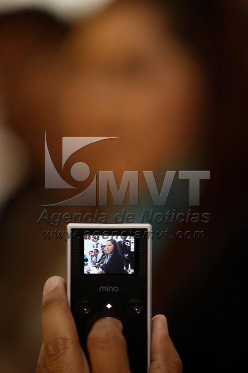 TOLUCA, México.- Mónica Fragoso Maldonado,  diputada del Partido Acción Nacional (PAN), propuso al Poder Ejecutivo al igual que a la Procuraduría mexiquense que consideren en su presupuesto la construcción de un albergue para víctimas de la trata de personas, además de la creación de un Protocolo Único de Investigación que incluya una base de datos confiable. Agencia MVT / Crisanta Espinosa. (DIGITAL)