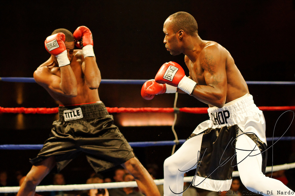 DeMarcus Corley defeats Donnell Logan by knockout during the first round of their bout at the Meidenbauer Center in Bellevue, WA on December 13, 2008.