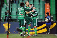 FOOTBALL - FRENCH LEAGUE CUP 2009/2010 - 1/8 FINAL - 13/01/2010 - AS SAINT ETIENNE v OLYMPIQUE MARSEILLE -  PHOTO FRANCK FAUGERE / DPPI - JOY GONZALO BERGESSIO (ASSE) AFTER HIS GOAL WITH PAPE DIAKHATE / YOHAN BENALOUANE