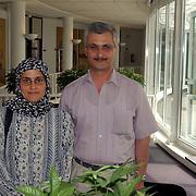 Iraaks vluchting echtpaar gaan medicijnen brengen naar kinderziekenhuis in Bagdad Irak