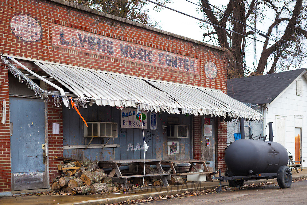 Red's Lounge Blues Club entrance in Clarksdale, birthplace of the Blues, Mississippi, USA