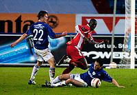 Jørgen Jalland, Vålerenga. Ardian Gashi, Vålerenga. Seyi Olofinjana, Brann. Tippeligaen 2004. VIF mot Brann.<br /> Ullevaal stadion 25.04.2004<br /> Foto: Geir Egil Skog, Digitalsport