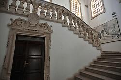 Convento e chiesa dei Domenicani, il complesso conventuale dei Domenicani fu fondato tra il 1491 e il 1513 ed è intitolato a Santa Maria di Tricase. L'attuale insediamento risale al 1709 quando fu ricostruito nel luogo attuale per volontà testamentaria del chierico Vito Antonio De Riccardis. Fu soppresso nel 1809 e la chiesa fu riaperta al culto nel 1834. Il convento, che si sviluppa attorno al chiostro quadrangolare, è attualmente sede municipale. Il prospetto è caratterizzato da un robusto portale recante l'arme dei De Riccardis e da balconi balaustrati. La chiesa, che rispecchia i canoni stilistici del barocco e del rococò, presenta una facciata a due ordini e termina con un frontone mistilineo. È scandita in tre zone da alte lesene; nella parte centrale si sviluppano il portale d'ingresso, sul cui architrave è posizionato lo stemma dei Domenicani posto fra due drappi, e la finestra centinata, mentre lateralmente si aprono quattro nicchie vuote. L'interno si sviluppa longitudinalmente ed è ad aula unica decorata con stucchi. Nella navata si aprono tre brevi cappelle per lato contenenti gli altari del Crocifisso, di San Tommaso d'Aquino, di San Domenico di Guzmán, della Madonna del Rosario, di San Vincenzo Ferreri e di San Pietro Martire. L'abside poligonale accoglie l'altare maggiore e alcune tele.