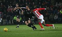 Photo: Mark Stephenson.<br />Cheltenham Town v Bristol City. Coca Cola League 1. 23/12/2006.<br />Bristol's David Noble on the ball.