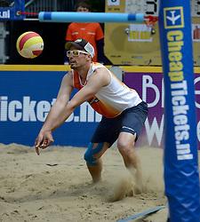 01-06-2014 NED: Eredivisie Beachvolleybal 2014, Arnhem<br /> Richard de Kogel