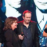 NLD/Amsterdam/20150202 - Edison Awards 2015, The Lau ontvangt de Ouvre Award