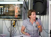 BRASSCHAAT - KNHB ontvangt de sponsoren tijdens HWL . Clarinda Sinnige aan het woord.  FOTO KOEN SUYK