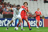 20111102: LISBON, PORTUGAL - Champions League 2011/2012 Ð Group C: SL Benfica vs FC Basel.<br />In picture: Benjamin Huggel and Axel Witsel<br />PHOTO: Alexandre Pona/CITYFILES