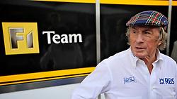 O escocês ex-campeão mundial Jackie Stewart é visto nos boxes do  Grande Prêmio de F1 do Brasil no Autódromo de Interlagos em 07 novembro de 2010, em São Paulo, Brasil. FOTO: Jefferson Bernardes/Preview.com