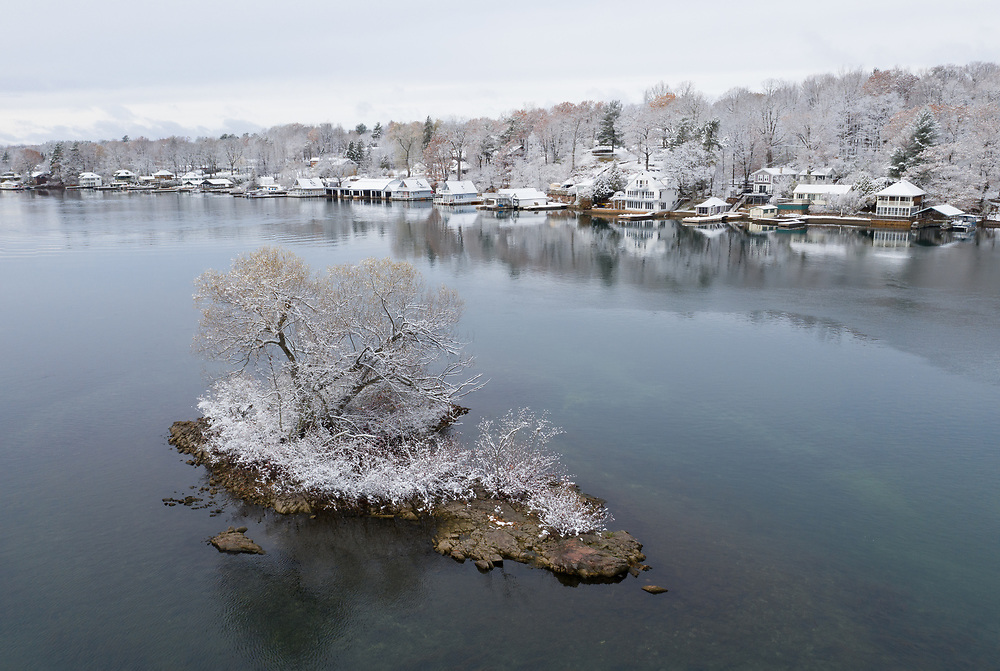 https://Duncan.co/small-snow-covered-island-and-cottages/