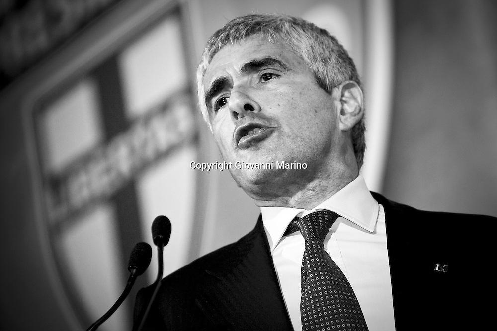 Potenza 27/03/2008 - Il leader dell' Udc Pier Ferdinando Casini, a Potenza per la campagna elettorale 2008