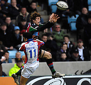 Twickenham, GREAT BRITAIN, Quins, Tom WILLIAMS out jumps, Bristols David LEMI, to deflect the high ball, during the Guinness Premieship match, NEC Harlequins vs Bristol Rugby, at the Twickenham Stoop Stadium, England, on Sat 24.02.2007  [Photo, Peter Spurrier/Intersport-images].....