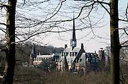 Nederland, Ubbergen, 17-3-2016Woon en werkpand de Refter. De bewoners en bewoonsters van dit voormalig klooster voor nonnen bij Nijmegen besturen en beheren Stichting de Refter. Ze doen dit op democratische en duurzame wijze. Ze voeren alle taken uit die nodig zijn om de Refter als leefgemeenschap voort te laten bestaan. Ook bepalen de bewoners gezamenlijk het beleid van de stichting en zorgen zij voor het pand en het bijbehorende natuurgebied. FOTO: FLIP FRANSSEN/ HH