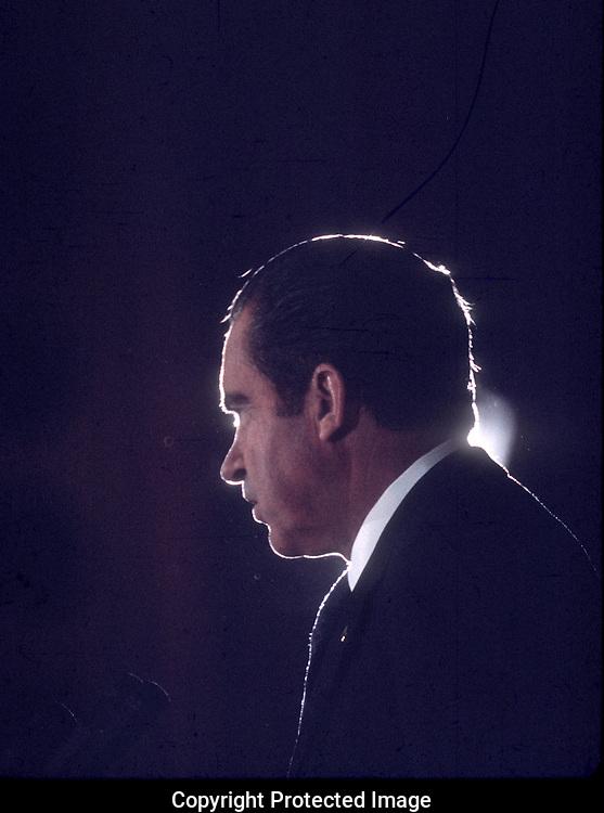 Richard Nixon in December 1971  Photo by Dennis Brack bb 15