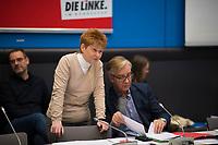 DEU, Deutschland, Germany, Berlin, 12.02.2019: Bundestagsvizepräsidentin Petra Pau mit Dr. Dietmar Bartsch, Vorsitzender der Bundestagsfraktion von DIE LINKE, bei einer Fraktionssitzung von DIE LINKE im Deutschen Bundestag.