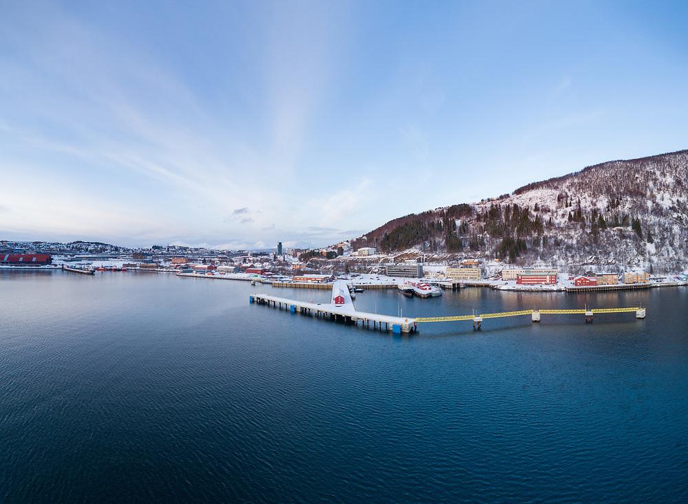 Luftfot med fokus på pir 1 i Narvik havn.
