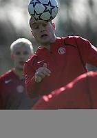 Photo: Paul Thomas.<br />Manchester United training session. UEFA Champions League. 06/03/2007.<br />Man Utd's Nemanja Vidic during training.
