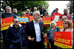 May 4, 2017 - Oxford, United Kingdom - JEREMY CORBYN campaigning in Underhill Circus Shops, Oxford.  (Credit Image: © Andrew Parsons/i-Images via ZUMA Press)
