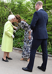 May 20, 2019 - London, London, United Kingdom - Image licensed to i-Images Picture Agency. 20/05/2019. London, United Kingdom. The Duke and Duchess of Cambridge greet Queen Elizabeth II at the Chelsea Flower Show in London. (Credit Image: © Pool/i-Images via ZUMA Press)