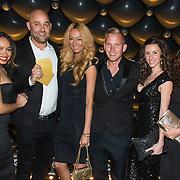NLD/Amsterdam//20140329 - Emma Fund Raising 2014, groepsfoto met oa Maria Tailor en partner Jeroen van den Berg, Laura Ponticorvo, Danielle van Aalderen