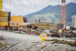 THEMENBILD - Bauarbeiten am Kitzsteinhorn Gletscher. Ab Dezember 2019 wird das Familienskigebiet Maiskogel mit dem Gletscherskigebiet Kitzsteinhorn verbunden sein, aufgenommen am 13. August 2018 in Kaprun, Österreich // construction site of new Cable Cars on the Kitzsteinhorn Glacier, Kaprun, Austria on 2018/08/13. EXPA Pictures © 2018, PhotoCredit: EXPA/ Stefanie Oberhauser