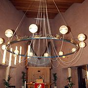Kerkelijk centrum de Akker bestaat 40 jaar, lamp in de zaal