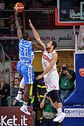 DESCRIZIONE : Varese Lega A 2015-16 Openjobmetis Varese Dinamo Banco di Sardegna Sassari<br /> GIOCATORE : Christian Eyenga<br /> CATEGORIA : Tiro Contorcampo<br /> SQUADRA : Dinamo Banco di Sardegna Sassari<br /> EVENTO : Campionato Lega A 2015-2016<br /> GARA : Openjobmetis Varese - Dinamo Banco di Sardegna Sassari<br /> DATA : 27/10/2015<br /> SPORT : Pallacanestro<br /> AUTORE : Agenzia Ciamillo-Castoria/M.Ozbot<br /> Galleria : Lega Basket A 2015-2016 <br /> Fotonotizia: Varese Lega A 2015-16 Openjobmetis Varese - Dinamo Banco di Sardegna Sassari